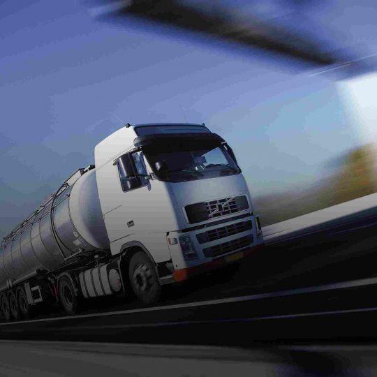 https://euro-cargo.eu/wp-content/uploads/2015/09/White-Truck-single-540x540.jpg